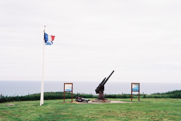 Photograph  of gun on Veules-les-Roses cliff top (photo taken June 2009)
